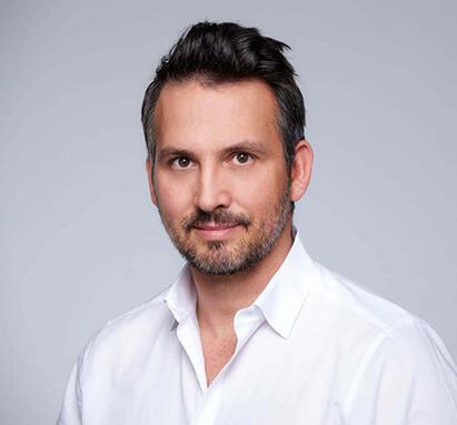 Dr. med.univ. Matthias Koller, Plastischer Chirurg linz